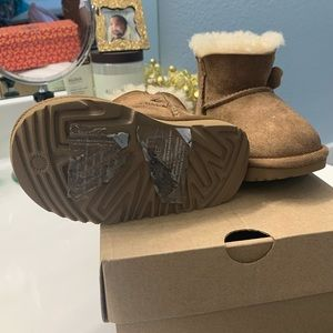Toddler girls Ugg Boots size 6